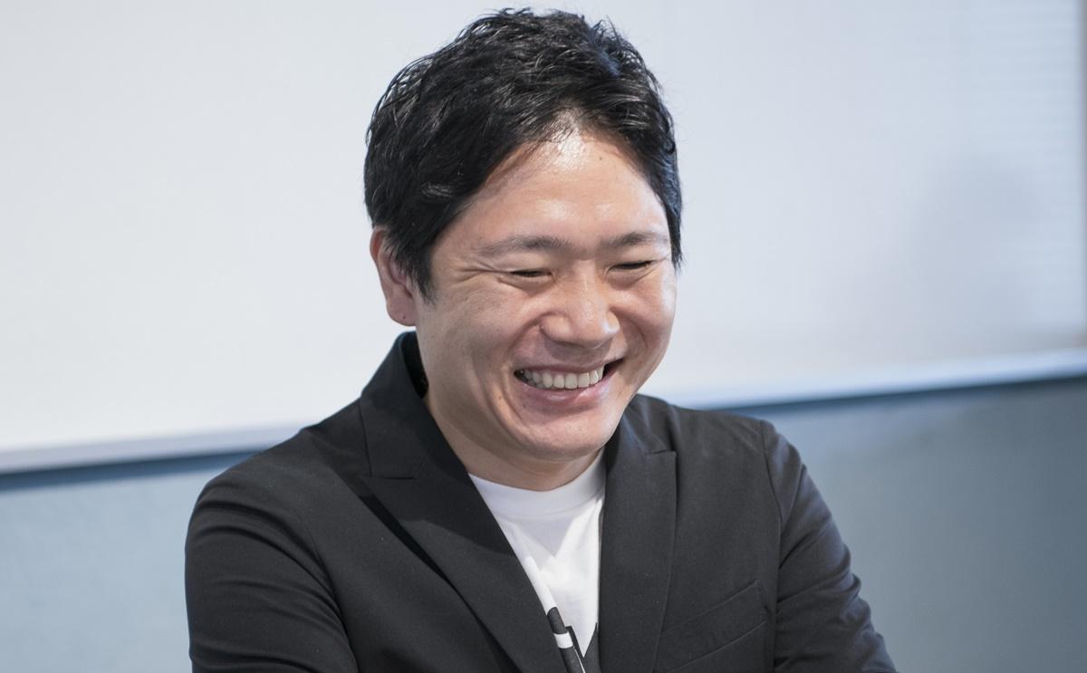 今後の展望について笑みで話す窪田氏